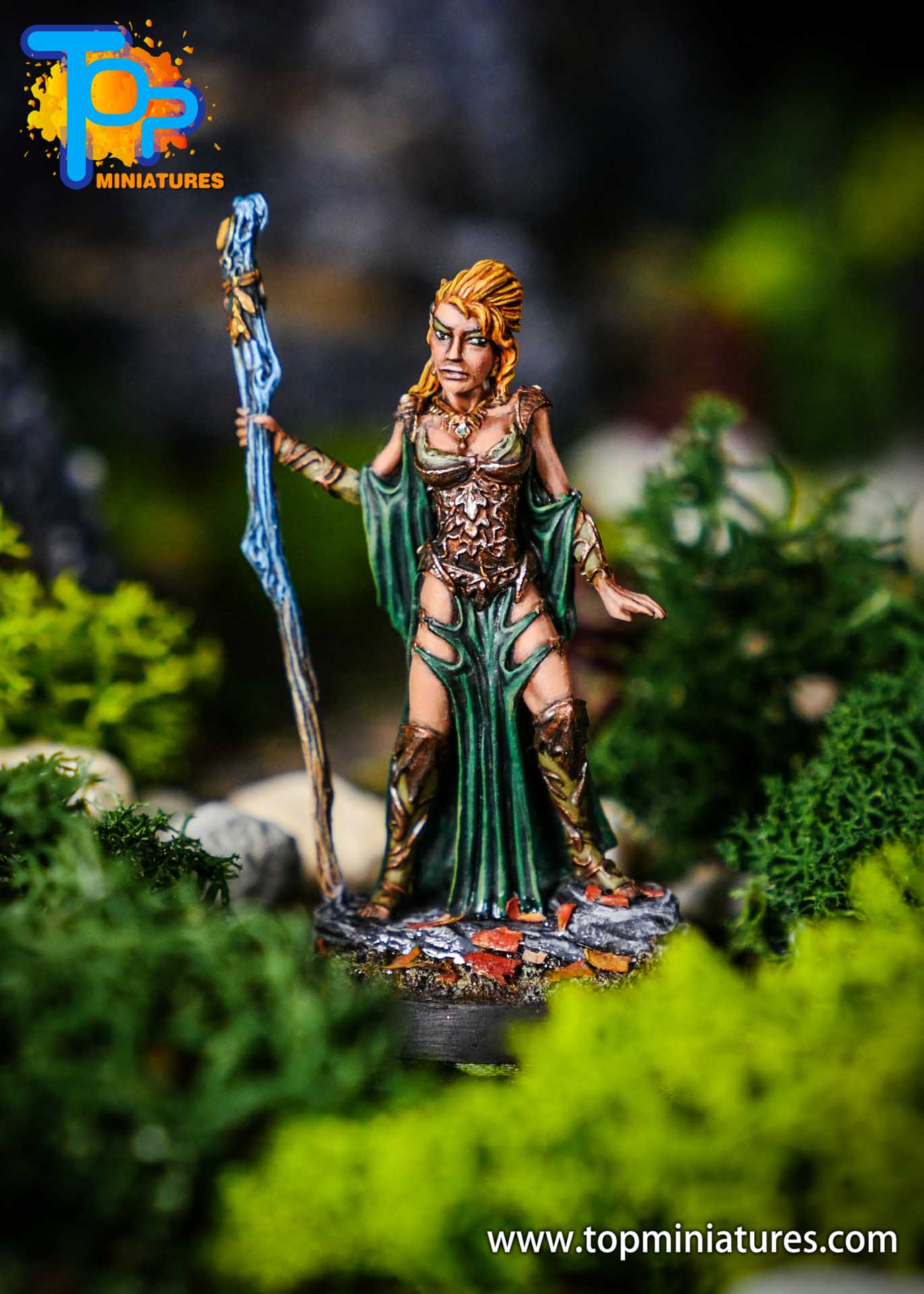 D&D wood elf female painted miniature (2)